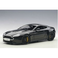 Aston Martin V12 Vantage S 2015 (jet black)