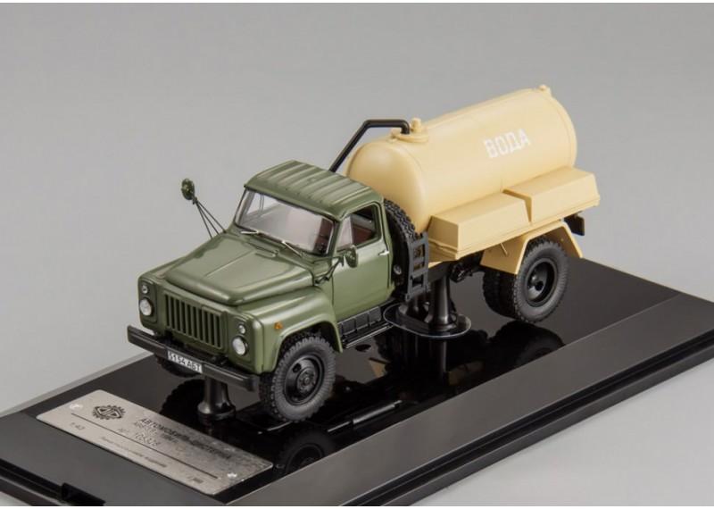 Горьковский автомобиль АВВ-3,6 цистерна для перевозки воды (1984 г.)