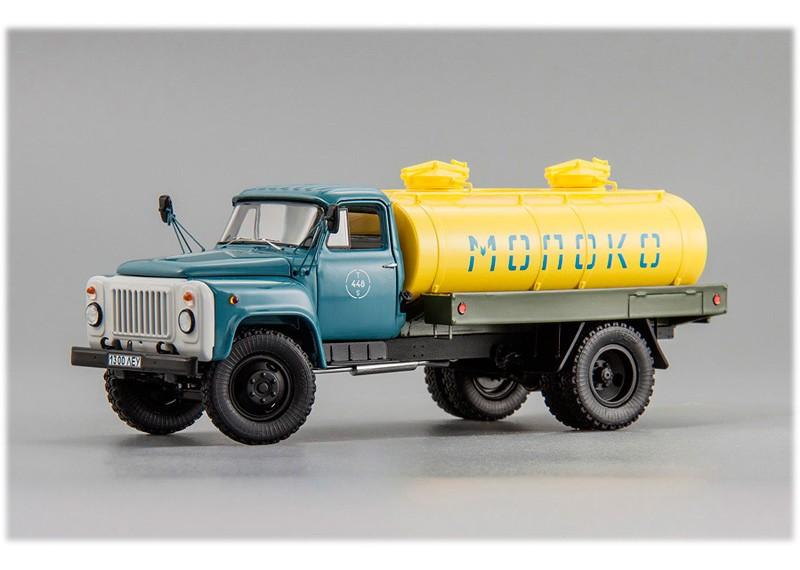 """Горьковский автомобиль АЦПТ-3,3(53-12) """"Молоко"""" 1991 г."""